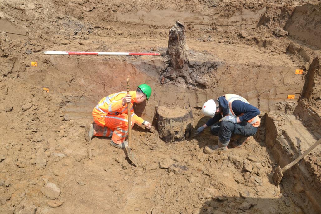 Archeologische opgraving van een waterput uit de 17e eeuw
